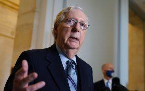 McConnell afirma que paquete de estímulo de Biden frena recuperación económica de EU