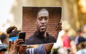 Acusan de violación a los derechos constitucionales a expolicías involucrados en muerte de George Floyd