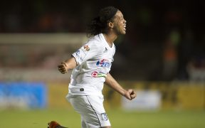 Ronaldinho tuvo un paso breve pero memorable por Querétaro. (Foto: Mexsport).