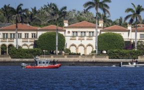 El gobierno de Palm Beach, Florida, decidió que Trump sí puede vivir en Mar-a-Lago