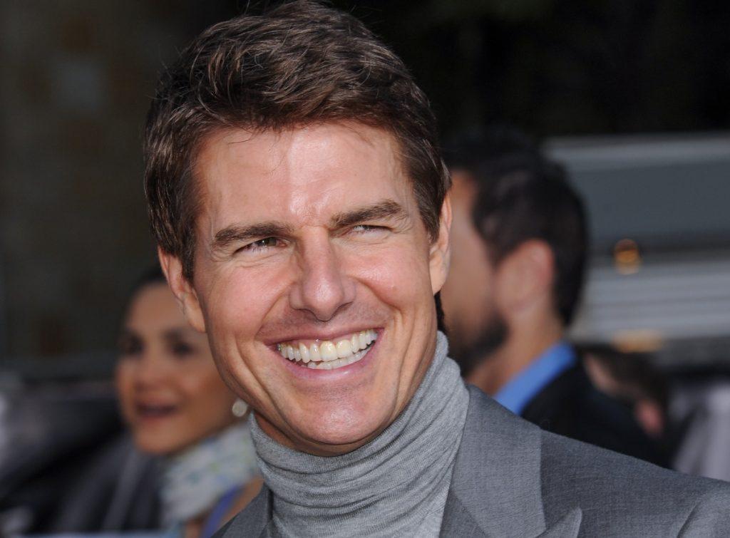 Tom Cruise devuelve los tres trofeos del Globo de Oro en protesta contra la HFPA