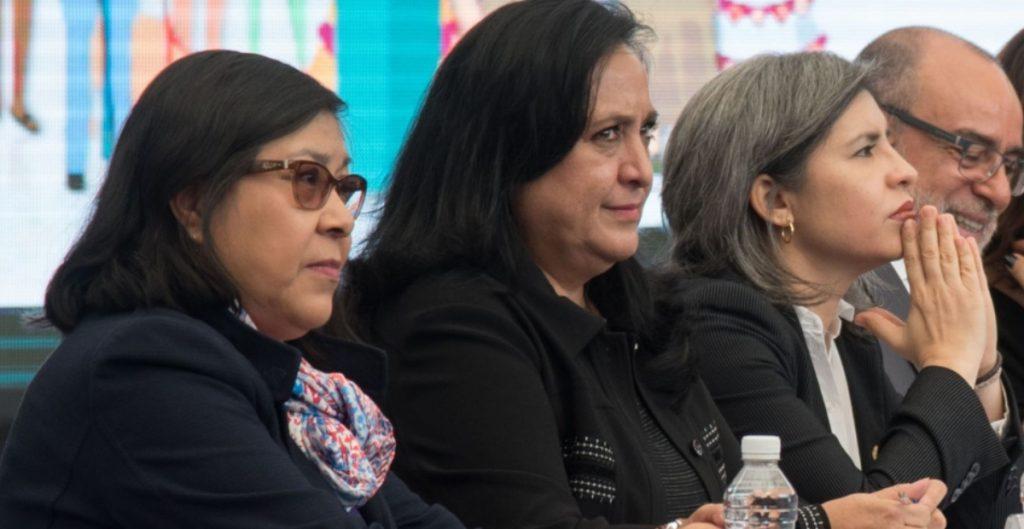 Mujeres ocupan sólo el 6% de los puestos mejor pagados en la administración federal
