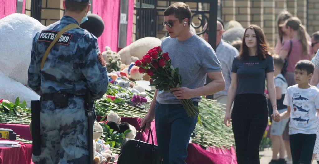 Sube a 23 el número de hospitalizados por tiroteo en una escuela en Rusia