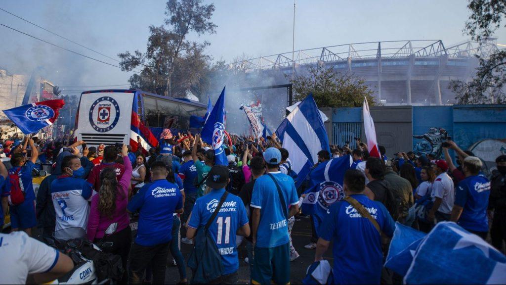 El regreso de los aficionados al Estadio Azteca ha provocado euforia por los boletos. (Foto: Mexsport).