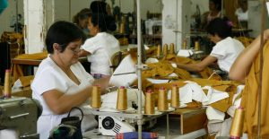 IMSS reporta débil recuperación del empleo formal durante abril; sube 0.2%