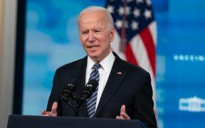 Aprobación de Biden cae al 44 % por manejo del retiro de tropas de Afganistán