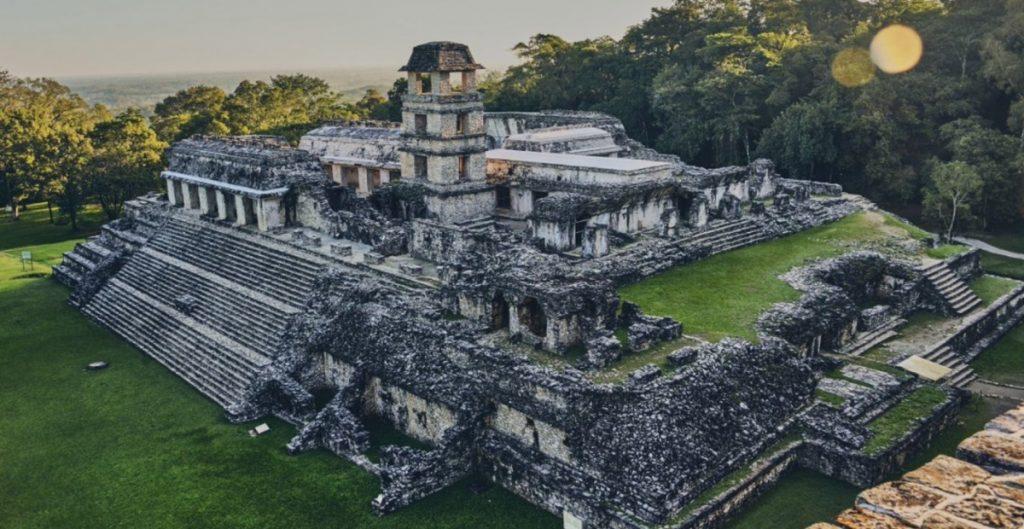 Tras caso sospechoso de Covid, INAH reabre la Zona Arqueológica de Palenque; Tulum permanecerá cerrada