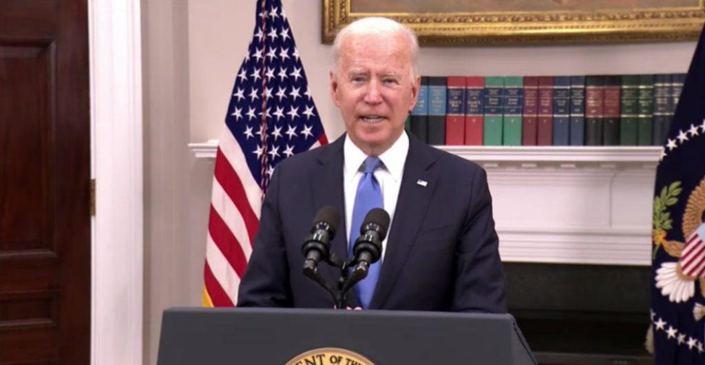 Rusia no está involucrada en ciberataque a oleoducto Colonial, pero hackers sí viven en su territorio: Biden