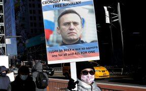 Encarcelan a líder religioso ruso por manifestarse a favor de Navalny