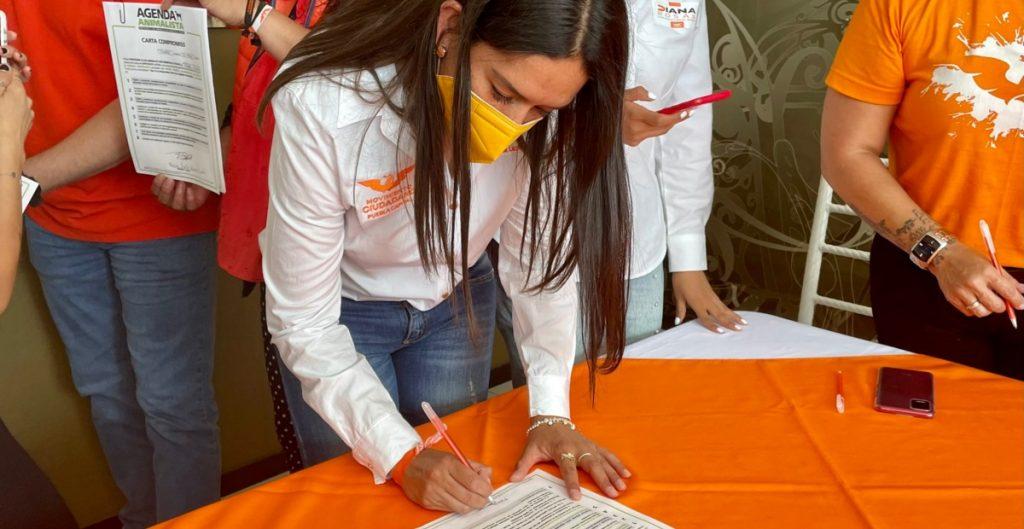 Candidata de MC en Puebla denuncia ante Fiscalía presencia de grupo armado durante recorrido de campaña