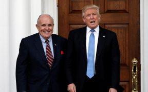 Abogados de Giuliani intentan bloquear el registro de sus dispositivos móviles incautados