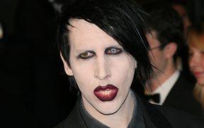 La exasistente de Marilyn Manson demanda al cantante por acoso sexual