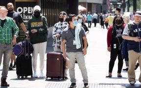 Neoyorquinos se toman con calma permiso para dejar de usar mascarilla