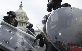 Cámara de Representantes de EU apoya crear comisión para investigar el asalto al Capitolio