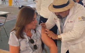 Rocío Nahle recibe primera dosis de vacuna contra la Covid-19