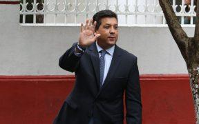 Gobernador García Cabeza de Vaca busca ante la corte invalidar orden de detención en su contra
