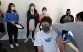 EU registra su nivel más bajo de contagios de Covid-19 desde junio pasado