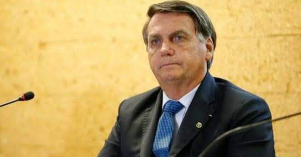 Multan a Bolsonaro con por provocar aglomeraciones en plena pandemia