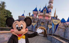 California celebra su reapertura; regalará viajes a Disneyland o bodas en Napa