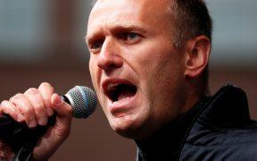 """Abren un tercer caso penal contra Navalny por """"insultar"""" a una juez"""