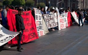 amlo-acusa-normalistas-detenidos-chiapas-violencia-tiraron-bombas-afirma