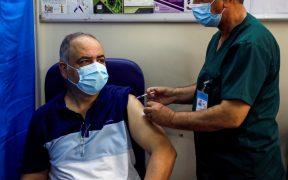 Las personas no vacunadas siguen en riesgo por Covid, advierten los CDC