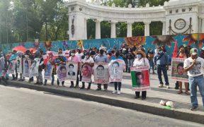 Padres de los normalistas de Ayotzinapa marchan en la CDMX; exigen liberación de estudiantes de Chiapas