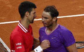 Nadal y 'Nole' se saludan tras la Final de Roma de este año. (Foto: Reuters).