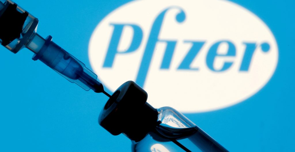 EU comprará millones de dosis de vacuna de Pfizer contra la Covid-19 para donar a otros países