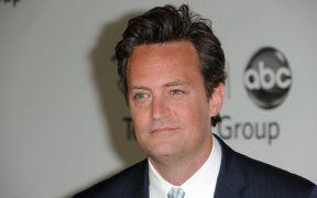 Matthew Perry rompe su compromiso una semana después de su regreso en 'Friends'