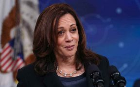 Monreal afirma que se analiza cancelar la visita de Kamala Harris al Senado
