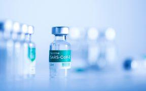 """OMS advierte de un """"fracaso"""" a menos que países ricos donen vacunas"""