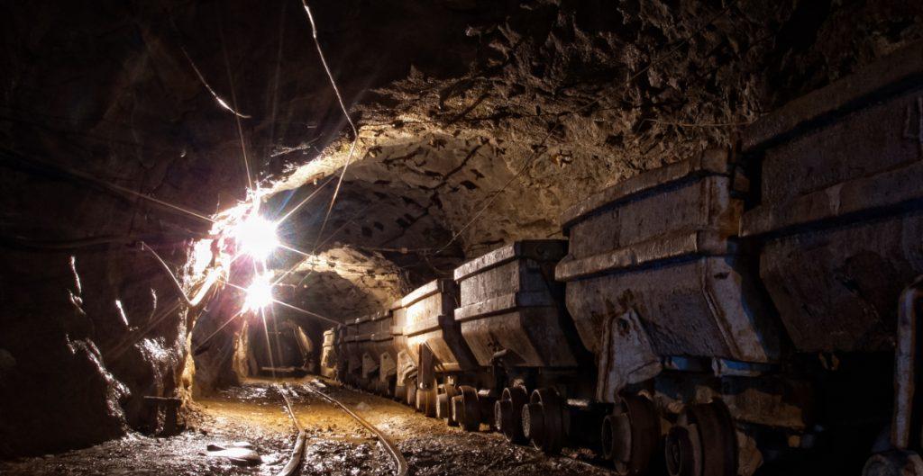 Reportan siete mineros atrapados por derrumbe en mina de Coahuila