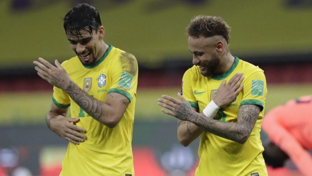 Neymar celebró su gol haciendo un baile con Paqueta. (Foto: AP).