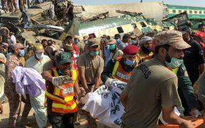 Colisión de trenes en Pakistán deja 40 muertos y un centenar de heridos