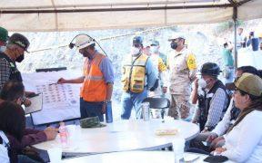 Siguen 3 mineros atrapados en mina de Múzquiz, Coahuila; binomios caninos participan en la búsqueda