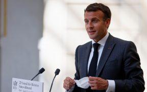 Agreden al presidente francés Emmanuel Macron durante gira de trabajo