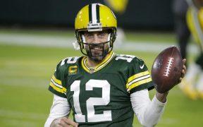 Rodgers no desea continuar con los Packers, pero se ve lejano un arreglo. (Foto: AP).