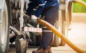 Precio internacional de la gasolina acumula alza de 63% en lo que va del año