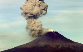 "Investigadores temen que un ""enjambre"" sísmico haga nacer un volcán en México"