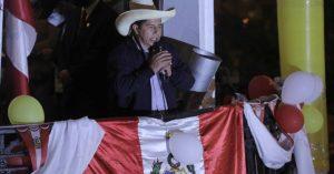 Con el 99.7% de votos escrutados, Castillo mantiene su ventaja sobre Fujimori en Perú