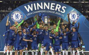 El Chelsea, campeón de la Champions, aceptó pagar la multa colectiva. (Foto: AP).