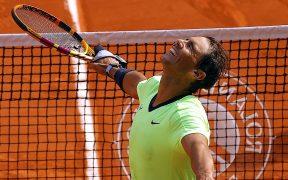 Nadal celebra su pase a semifinales de Roland Garros. (Foto: EFE).