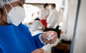 Moderna solicita a Estados Unidos autorización de emergencia para vacunar adolescentes
