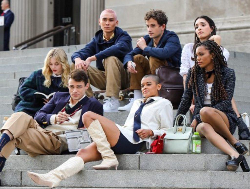 """""""Los privilegiados y el poder siempre ganan"""", dice el nuevo tráiler de Gossip Girl que comienza el 8 de julio"""
