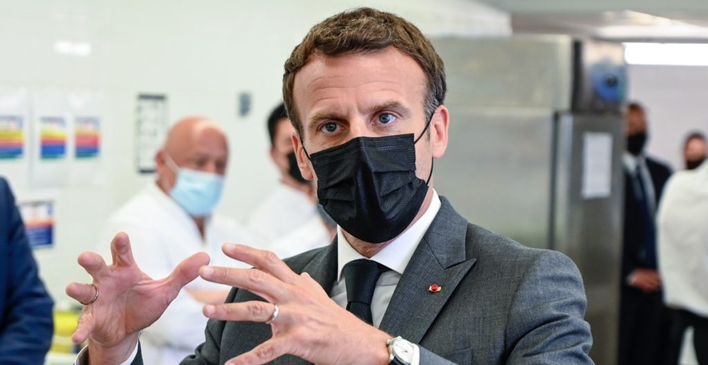 Hombre que abofeteó a Emmanuel Macron fue condenado a 18 meses de prisión