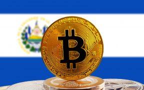 FMI advierte a El Salvador sobre los riesgos de adoptar al bitcóin como moneda de curso legal