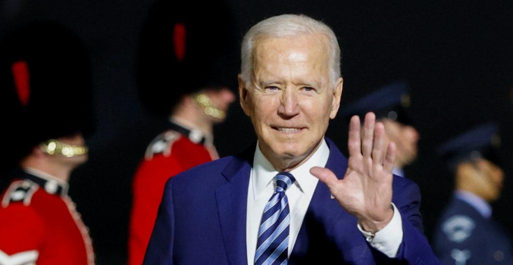 Imagen de EU ha mejorado desde la llegada de Biden, según encuesta del Pew Research Center