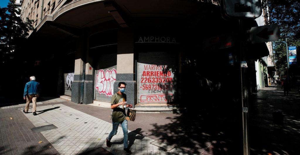 Chile confina a la ciudad de Santiago por colapso sanitario ante aumento de casos por Covid-19