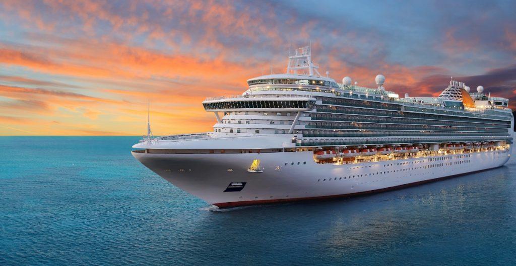 Detectan dos casos de Covid en crucero que partió del Caribe con pasajeros completamente vacunados